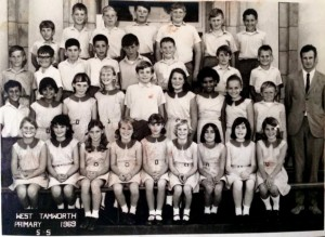 Warren Rodwell : 3rd row / 5th from left 1969 aged 11 @ Tamworth West Public School NSW